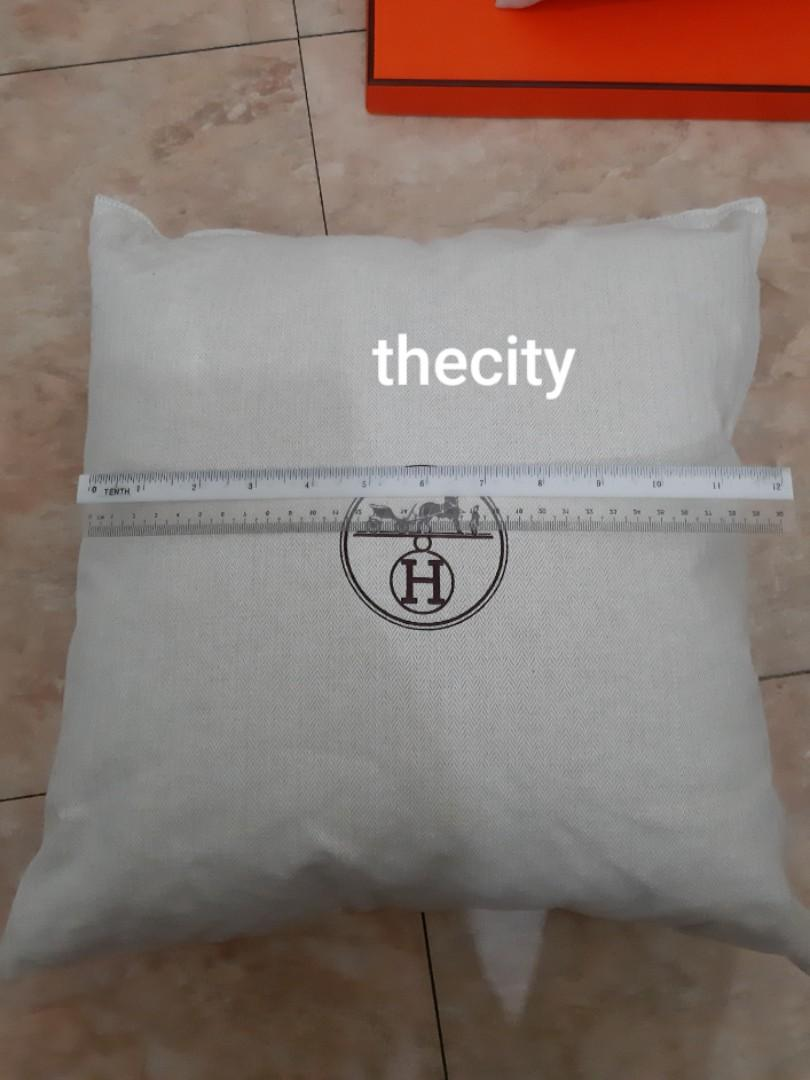 HERMES JAPAN, HAC BIRKIN BAG, BIG PILLOWS - THIS IS NOT A RETAIL ITEM- GIVEN  TOGETHER WHEN PUCHASED WITH HAC BIRKIN BAG IN JAPAN - CAN USE AS PILLOW FOR SOFA CHAIRS / BAG SHAPER- SET OF 2 PIECES - EXCELLENT CONDITION - NOT A RETAIL ITEM-