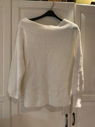 Seven Sisters Off-The-Shoulder Sweater