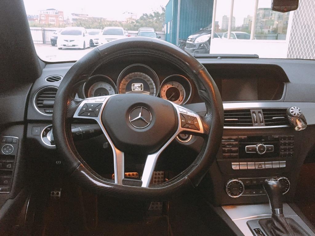 🚗跨年前 讓你有車載妹子 🚗 2012年 c250 超級白  改四出  全額貸/還有錢可以拿