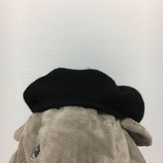 黑色貝蕾帽