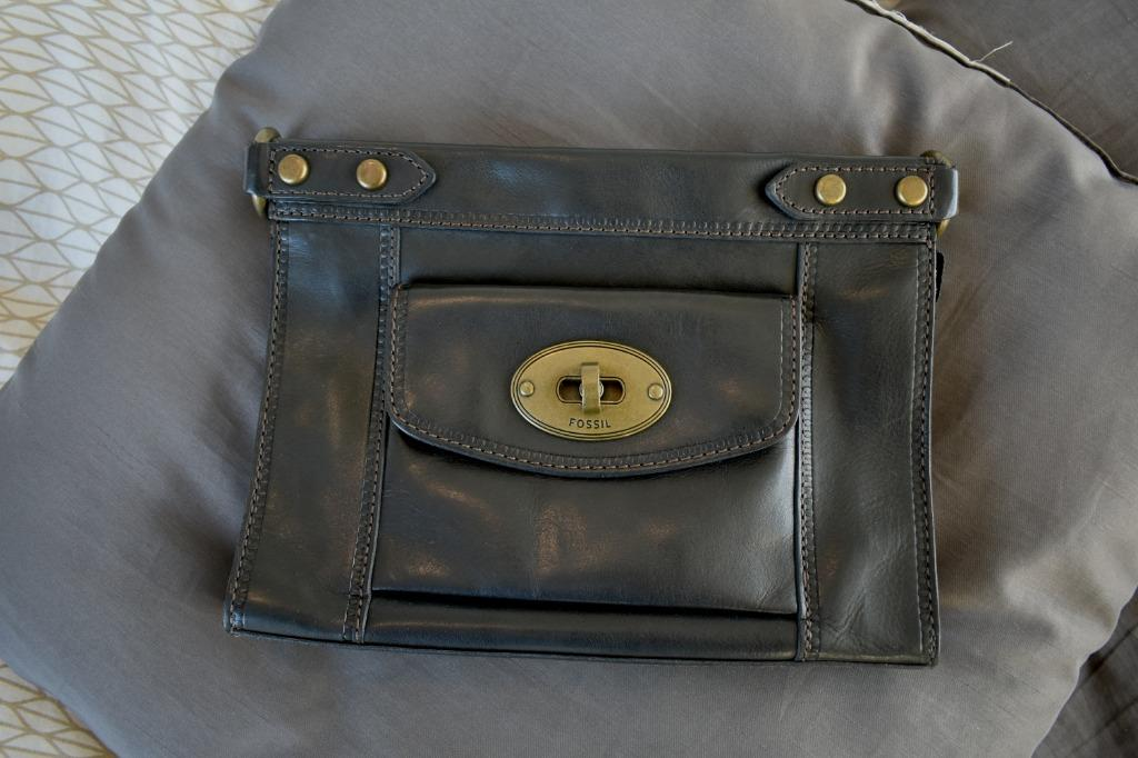 Fossil vintage revival convertible crossbody-black handbag purse