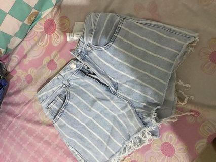 stradivarius celana pendek