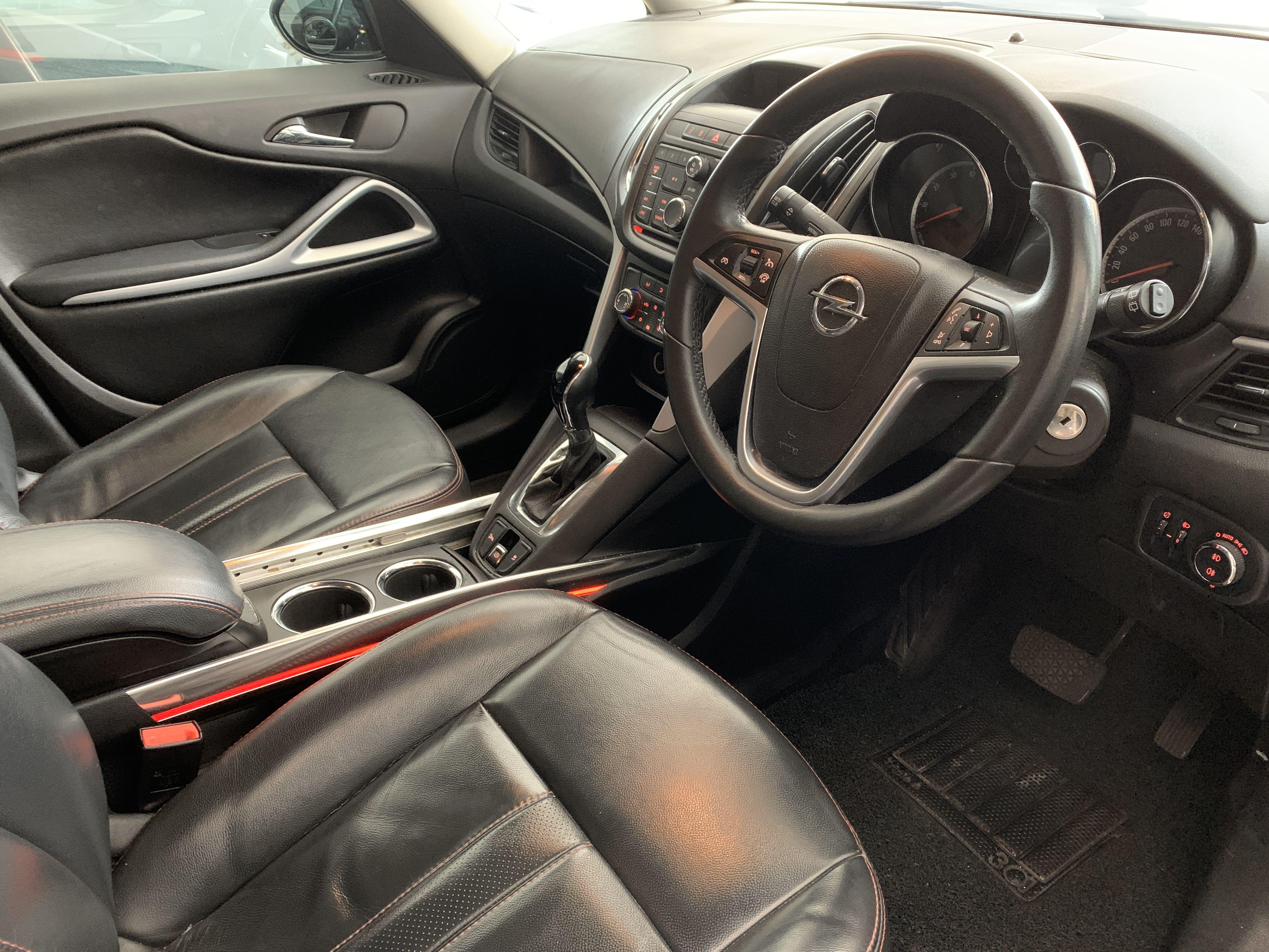Opel Zafira MPV for rent