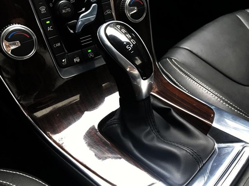 V60 旗艦版 柴油 2.0 全車原鈑 小改款8速 天窗 盲點 柴油渦輪扭