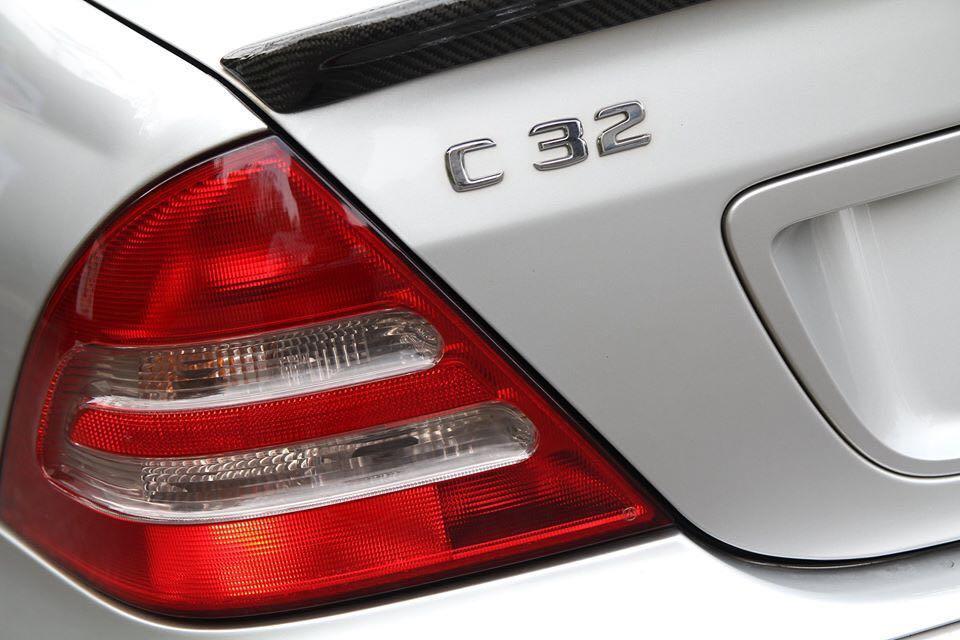 僅跑11萬公里02年Benz W203 C32 AMG可分期