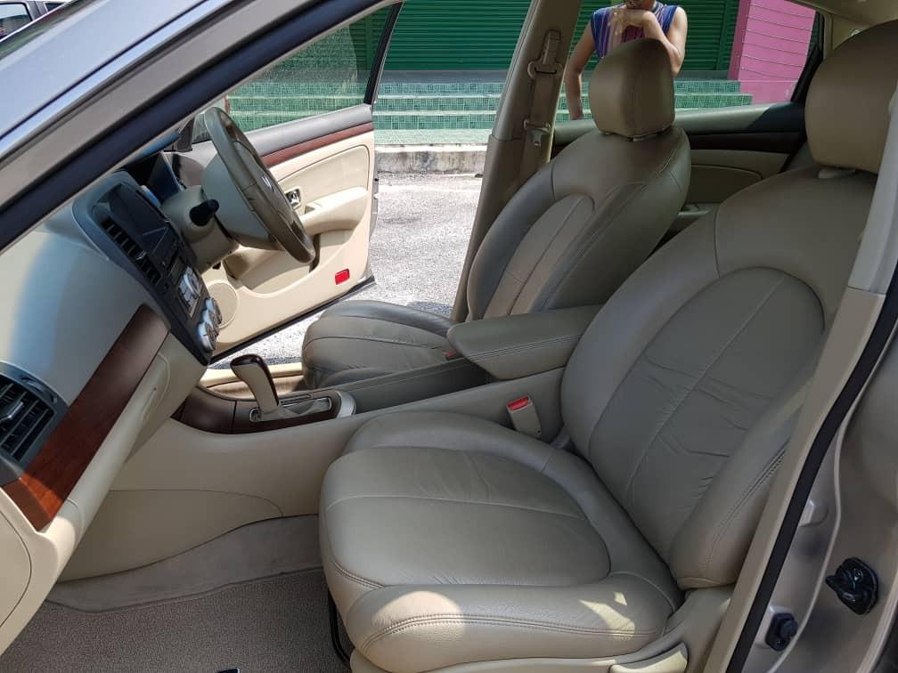 2011 Nissan SYLPHY IMPUL 2.0 (A) Muka 1K Loan Kedai