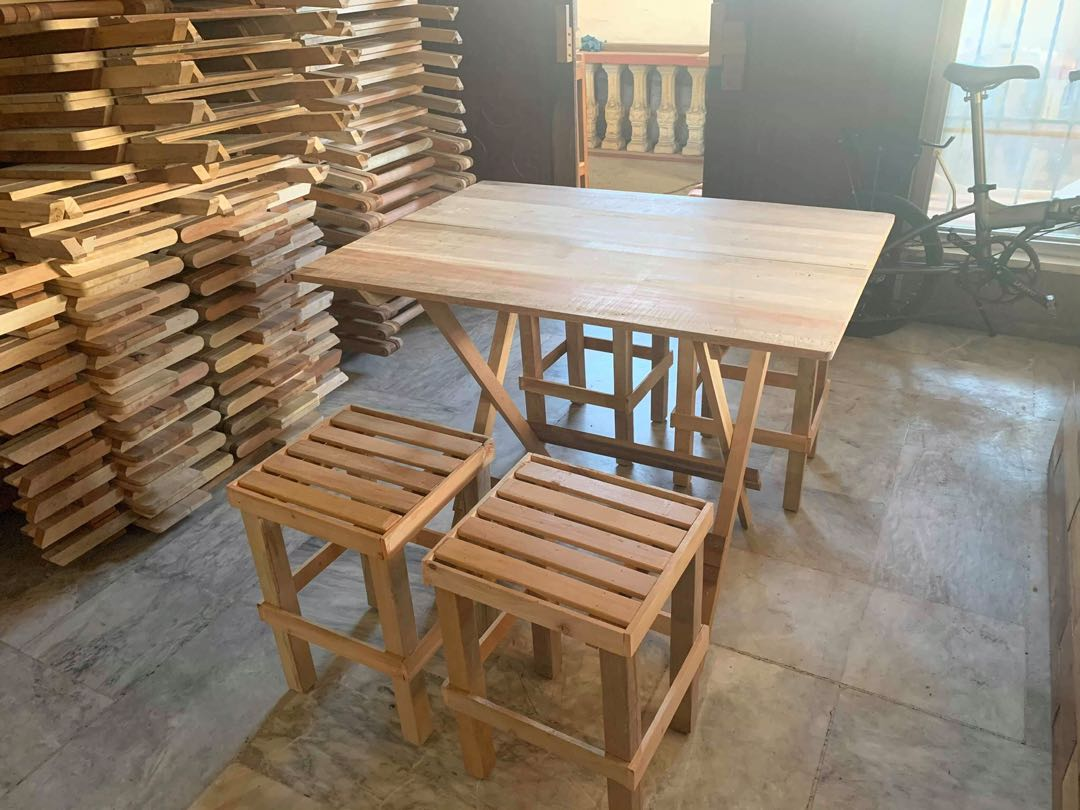 Folding Table And Folding Chair Home Furniture Furniture Fixtures Tables Chairs On Carousell