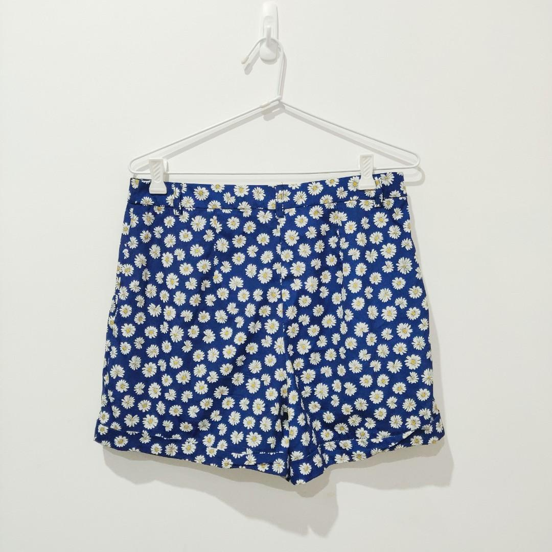 Miss Shop Daisy Floral Print Navy Comfy Shorts Size 12