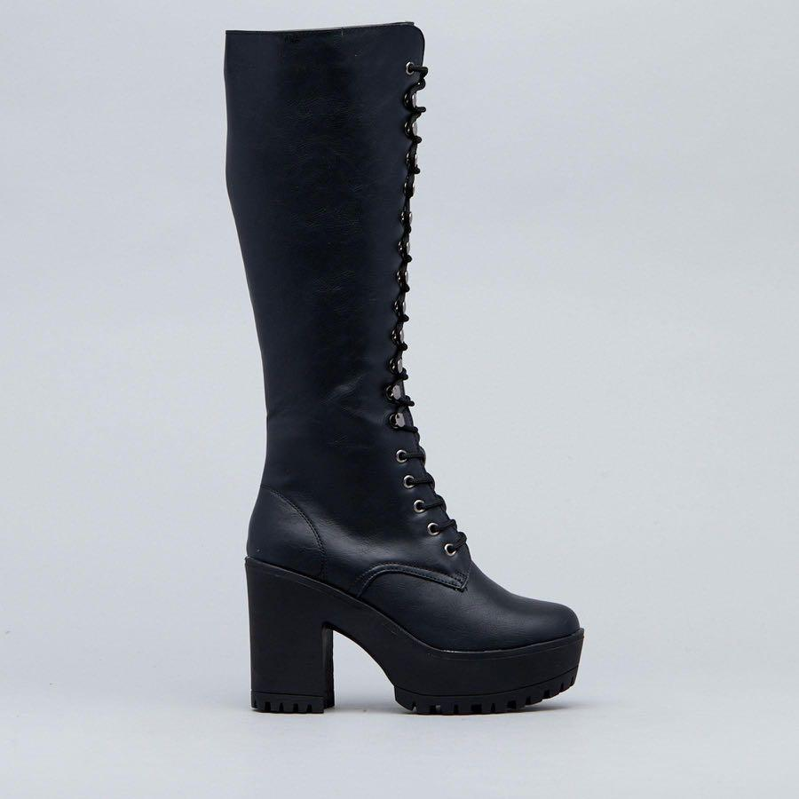 NEW WITH TAGS Lexi Boots size 9 perfect for festivals!