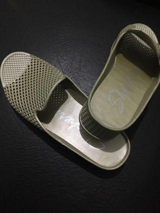 HOLIDAY SALE!!!SKECHERS women's cali glitz-shine slide