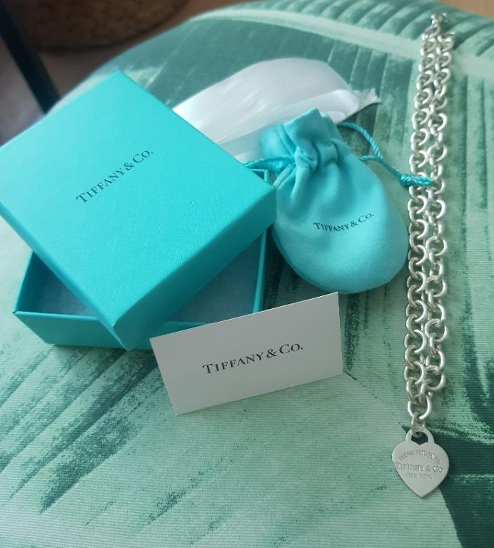 Excellent condition Tiffany & Co RTT heart necklace