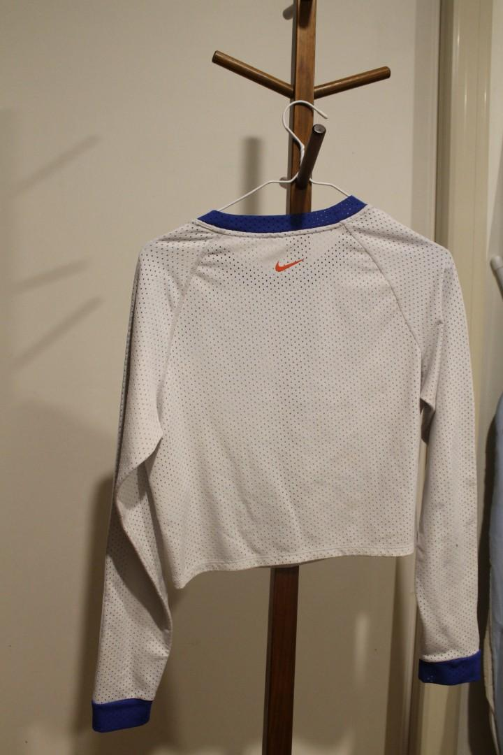 M - Nike - Dri Fit Long Sleeved White Crop Top Dri-Fit Cropped