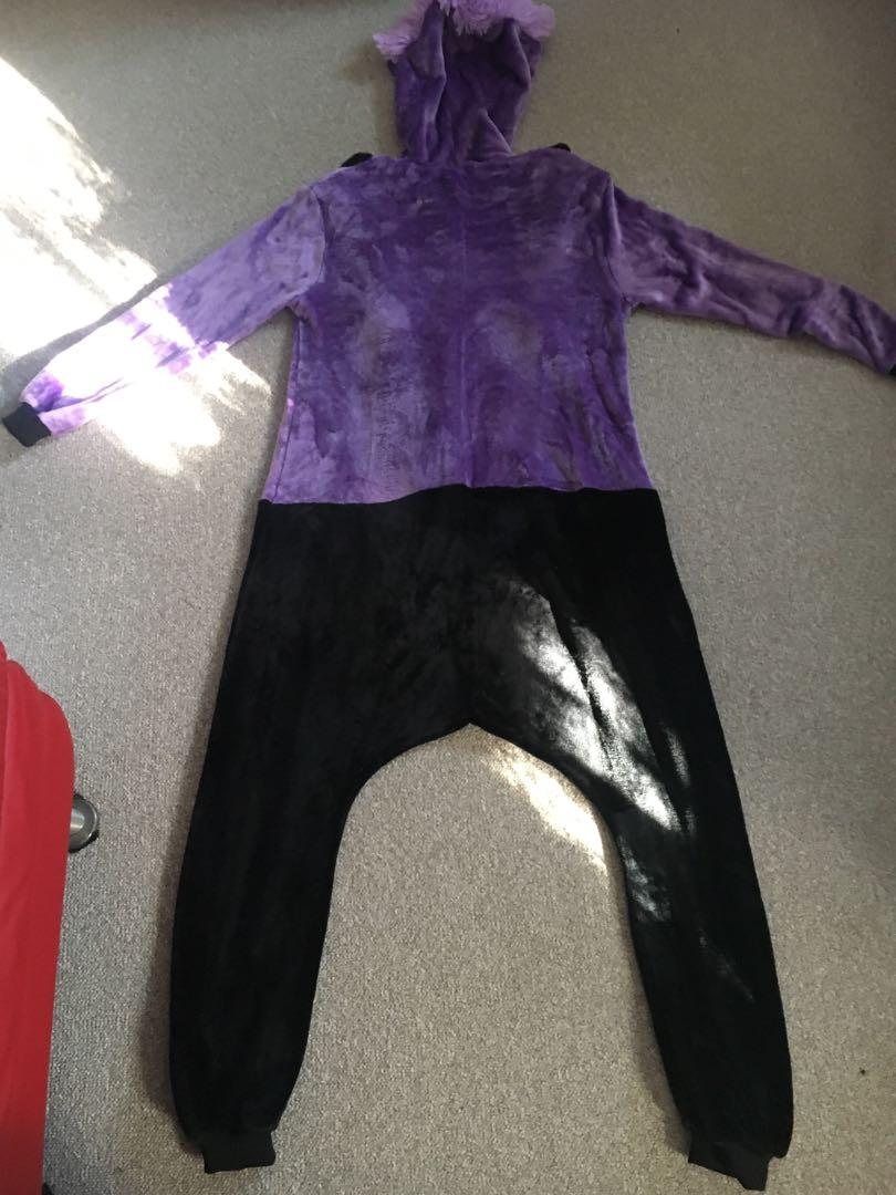 Purple Minion onesie costume size M in great condition