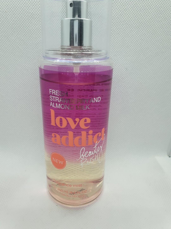 RARE DISCONTINUED Victoria's Secret love addict body mist