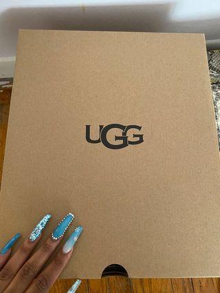 UGG classic mini fluff