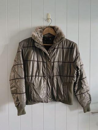 防寒鋪棉軍綠色飛行夾克/棒球外套 毛領 保暖檔風 機車族最愛 #斷捨離 #泰迪熊