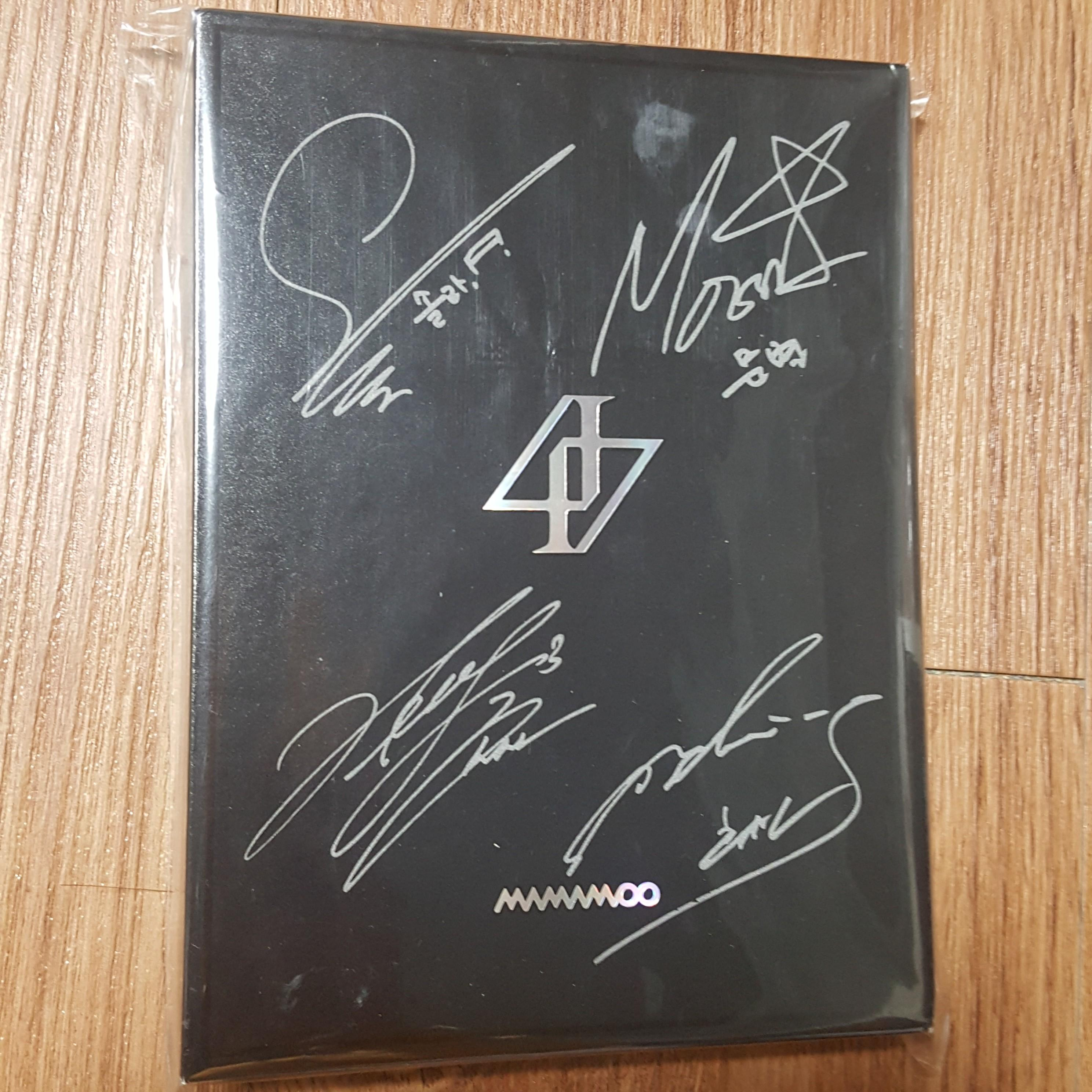 MAMAMOO SIGNED ALBUM REALITY IN BLACK PROMOTION CD