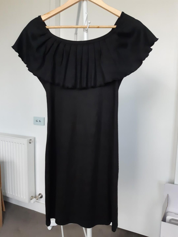 Willow and Fin Black ruffle collar dress size medium
