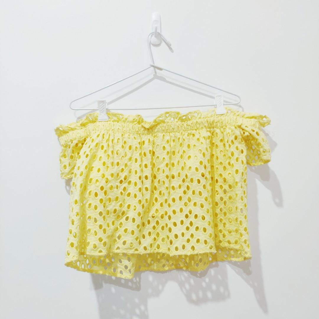Zara Trafaluc Yellow Off The Shoulder Eyelet Top Size M Medium