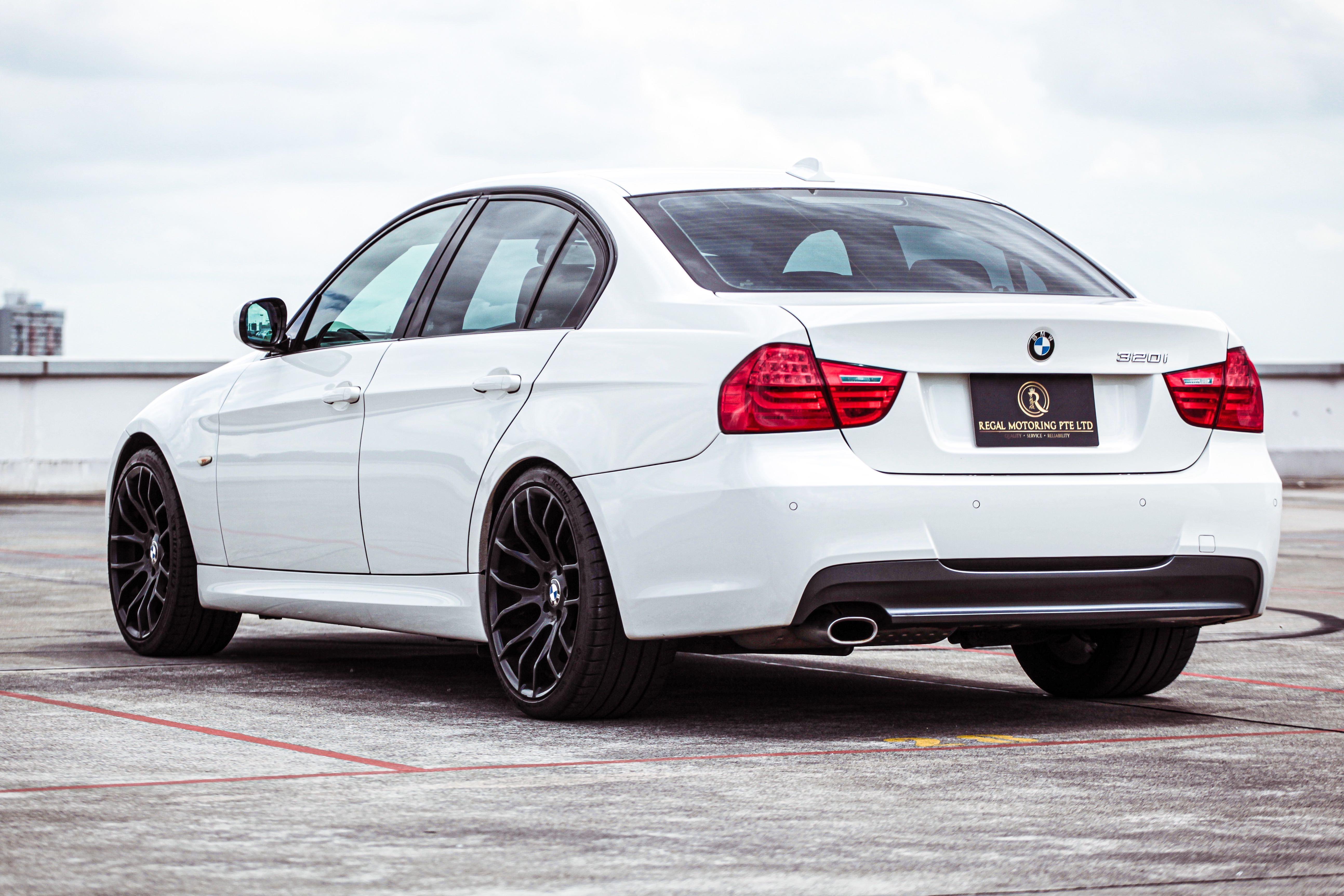 BMW 320i M Sport (sunroof) Auto