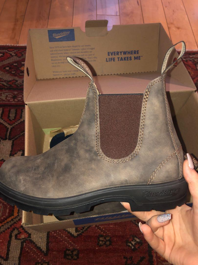 Brand new in box size 4.5M / 7.5 Women's  blundstones