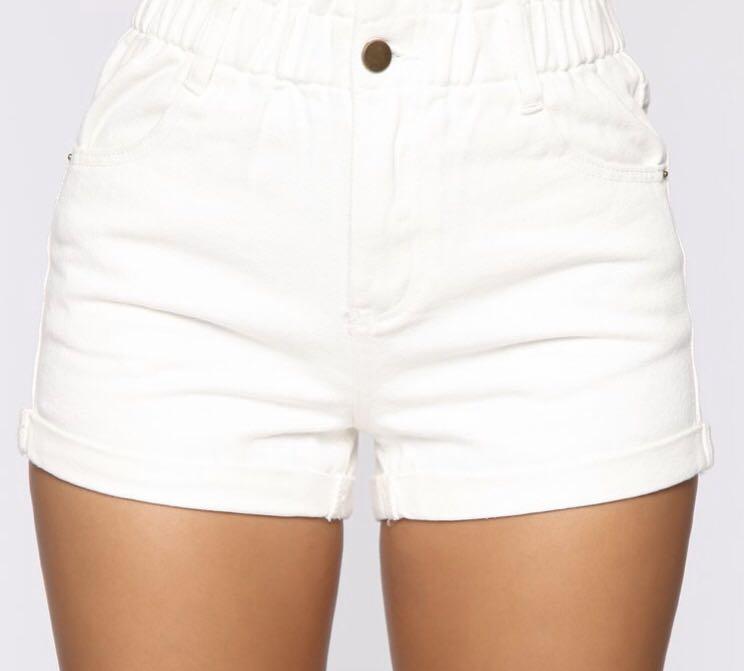 Fashion nova white hi rose denim shorts Sz small Bnwt