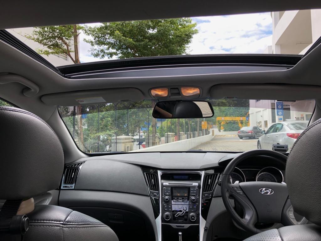 Hyundai i45*sunroof*TOP CONDITION $53 per day mazda 3 toyota altis camry nissan teana honda accord grab gojek rebate personal use