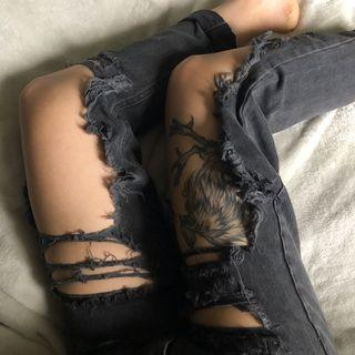 (Missguided) distressed jeans