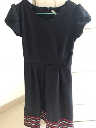 Black Dress hitam mididress