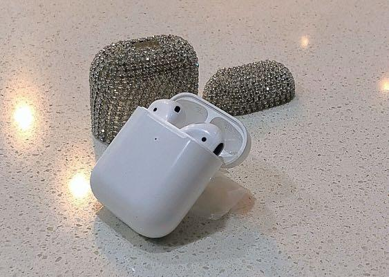  AirPods ,Wireless, Brand NEW includeBrand NEW Case,Original Charger