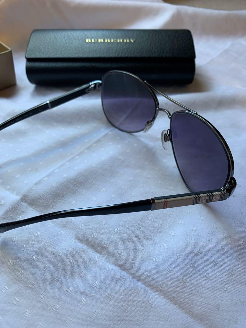 Burberry sunglasses in great condition with original packaging