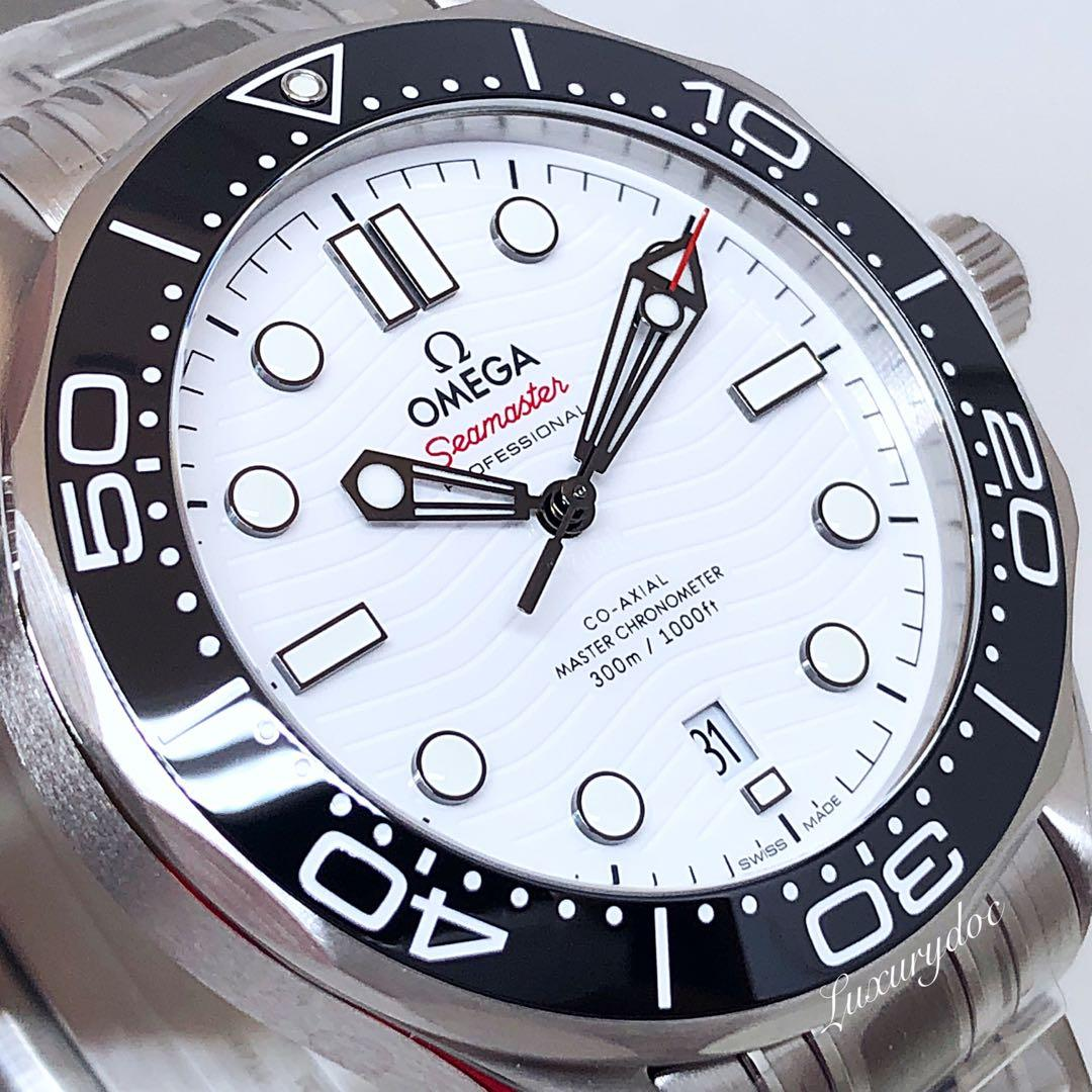 FS.BNIB OMEGA SEAMASTER DIVER 300M CO-AXIAL MASTER CHRONOMETER AUTOMATIC WHITE DIAL ON BRACELET 42MM WATCH 210.30.42.20.04.001