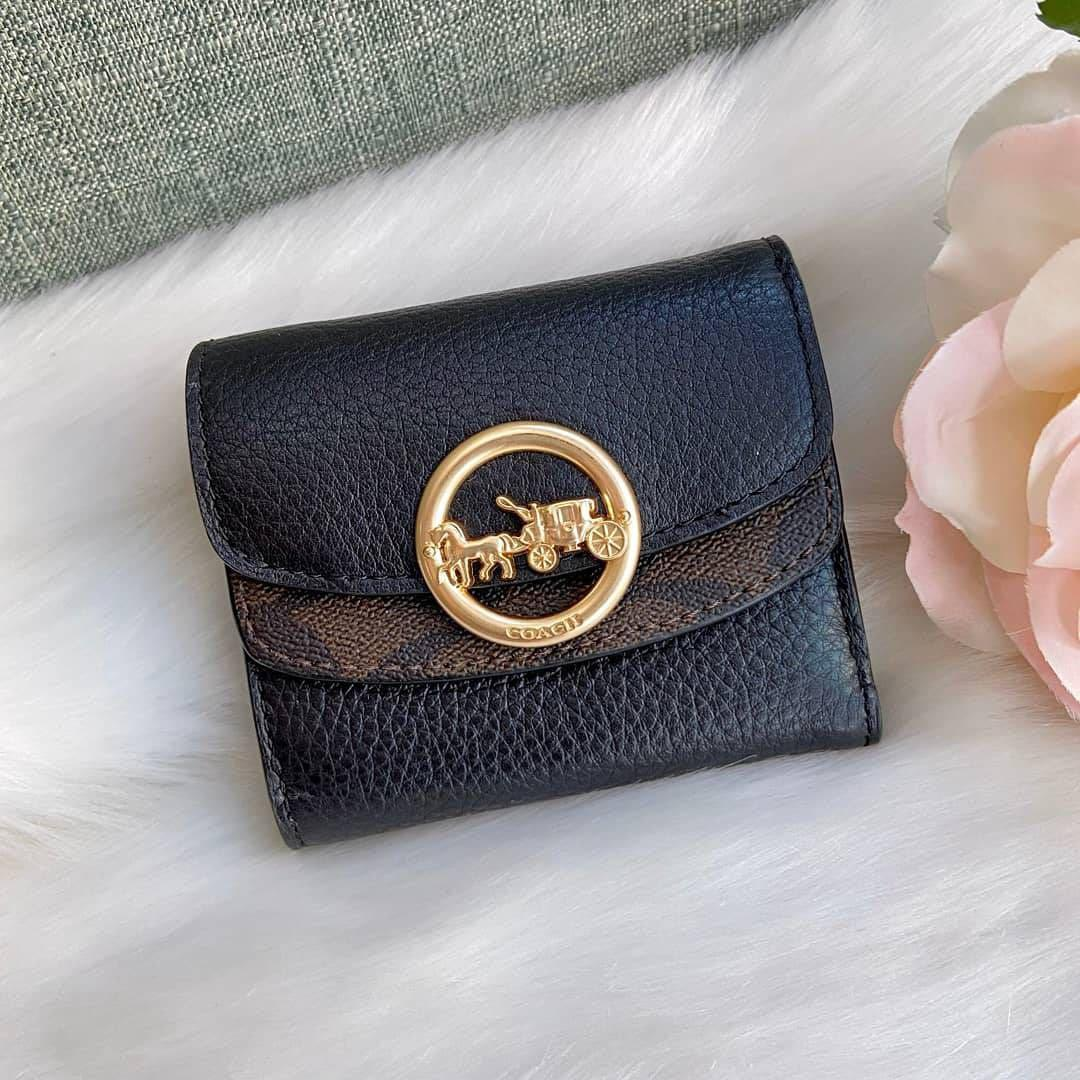 """New Coach Authentic JADE SMALL DOUBLE FLAP WALLET WITH SIGNATURE CANVAS DETAIL COACH #F88003 IM/BROWN/BLACK ➰4"""" (L) x 3 1/2"""" (H) 🌟147$/instock  #NewwithTag#CoachCareCard#DustBag # Guaranteed Authentic100% FromCoachUSA🇺🇸  Pm me ,thanks"""