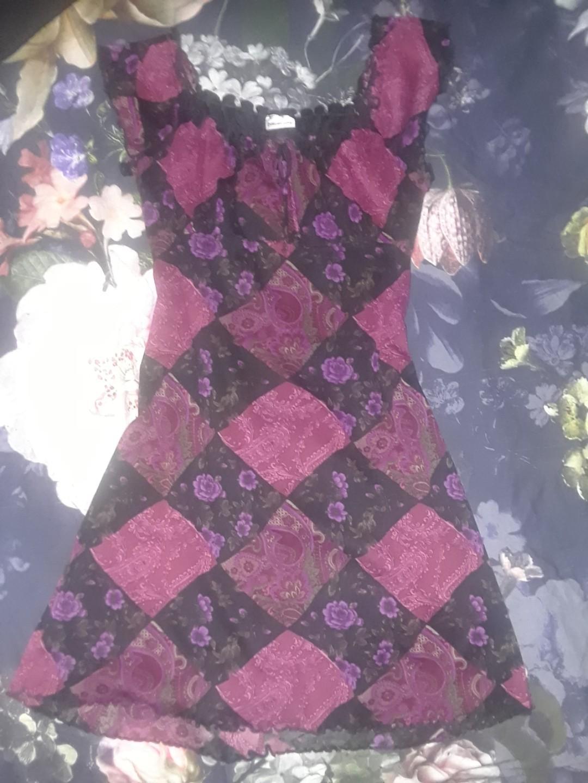 Vintage diamond patch babydoll pink purple floral roses retro print dress Medium UNIF