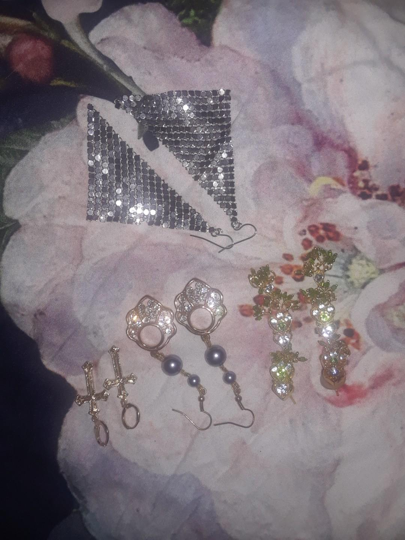 Vintage earrings jewellery bundle lot gold & silver fashion costume