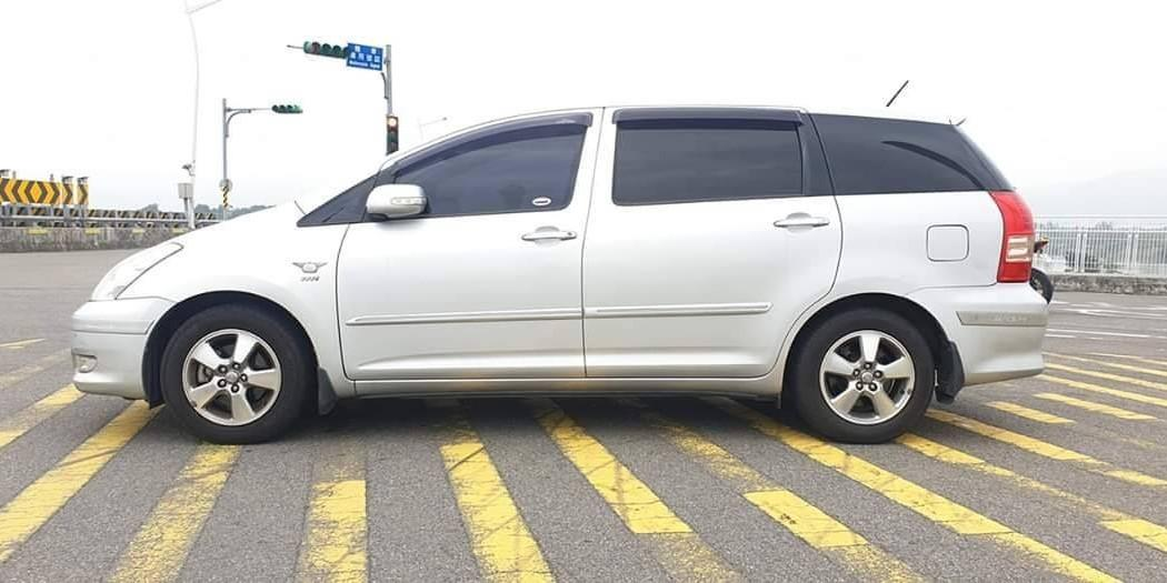 特價車 售2006年 wish 七人座 2.0cc 銀色黑內裝 雙天窗