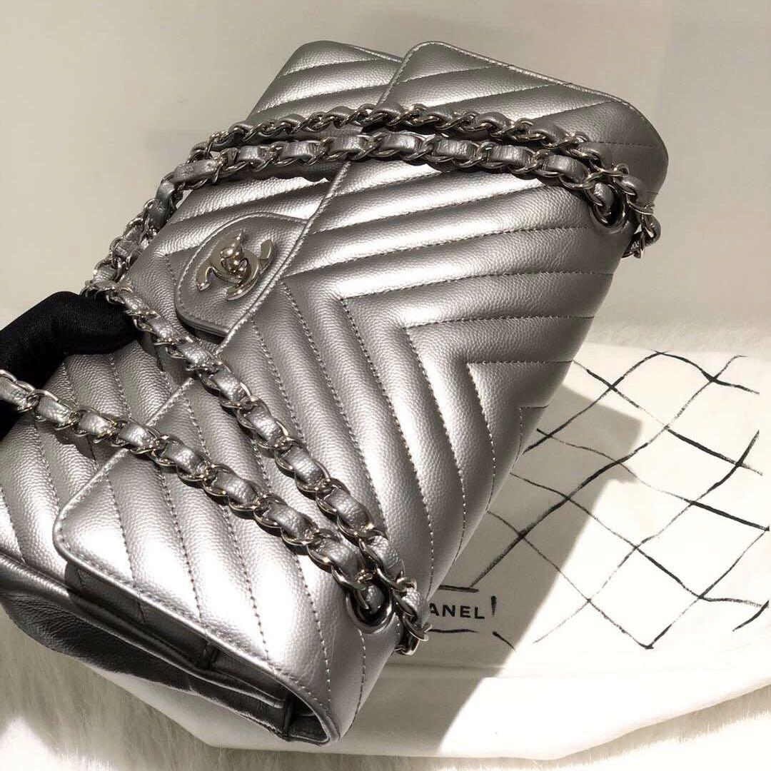 Authentic Pre-loved Chanel Caviar Leather Metallic Silver Medium Chevron Double Flap