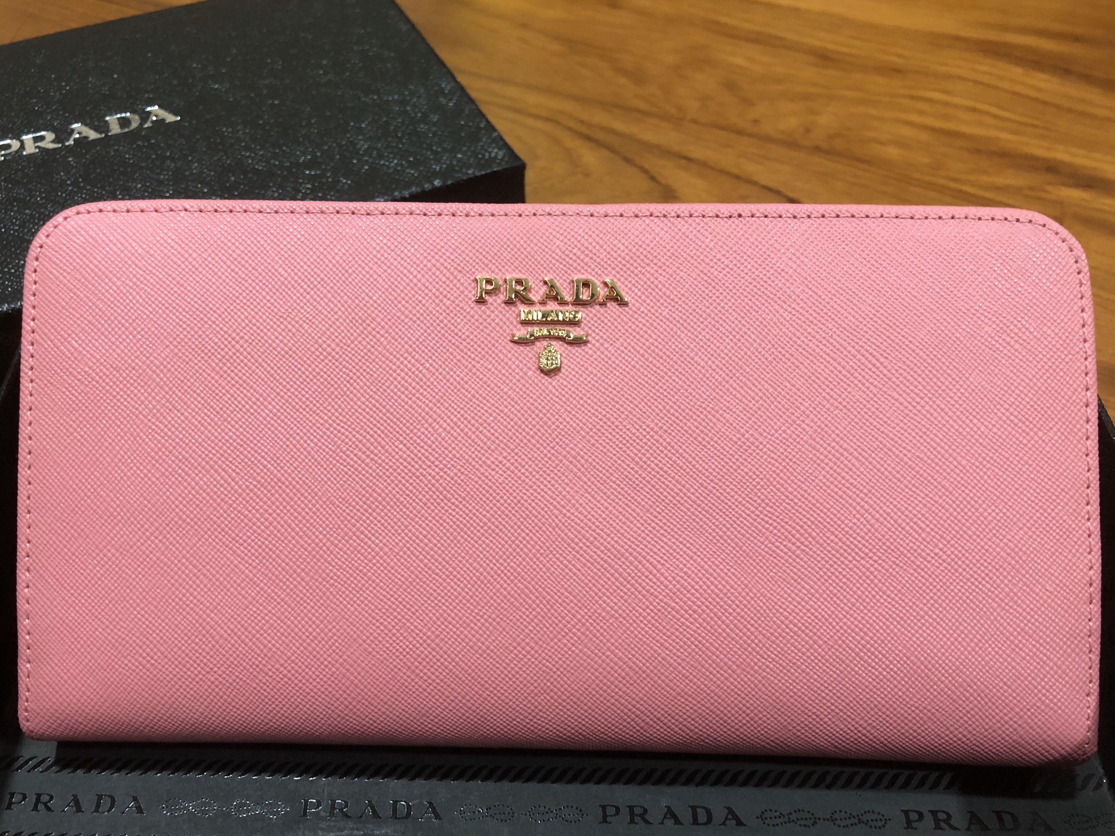 BN PRADA CLUTCH LONG PINK WALLET / SAFFIANO LEATHER DOUBLE SNAP TRAVEL WALLET / CLUTCH SIZE  (see last pic) 🌸🌸🌸 COMES WITH PRADA BOX🥰