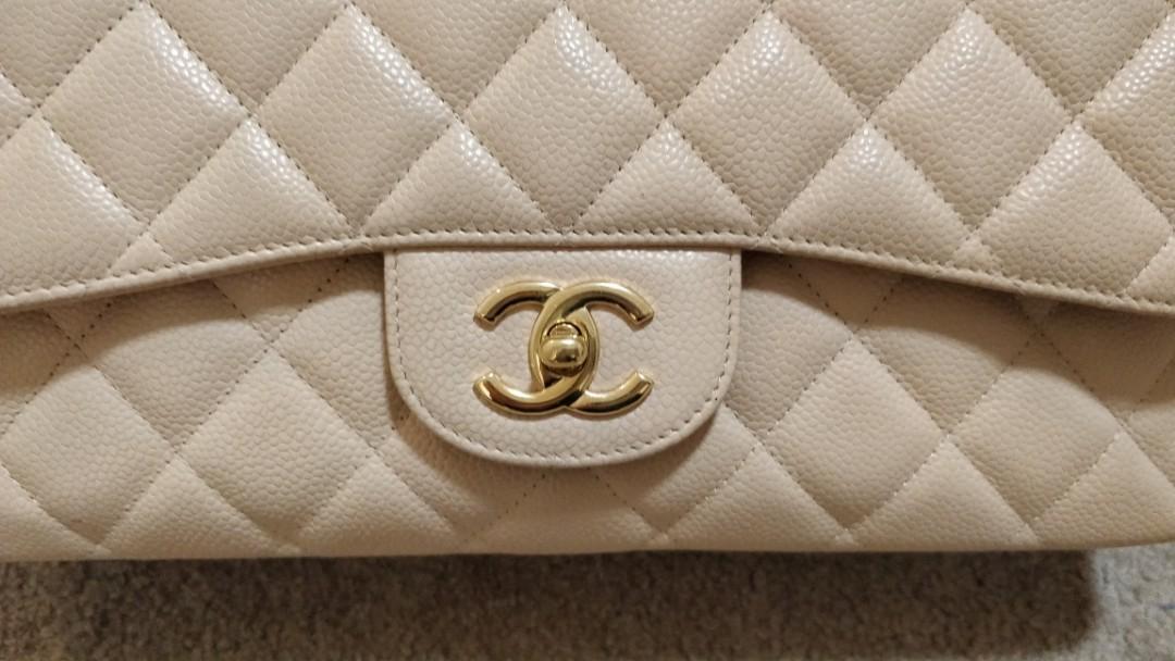 Chanel single flap caviar jumbo beige classic flap