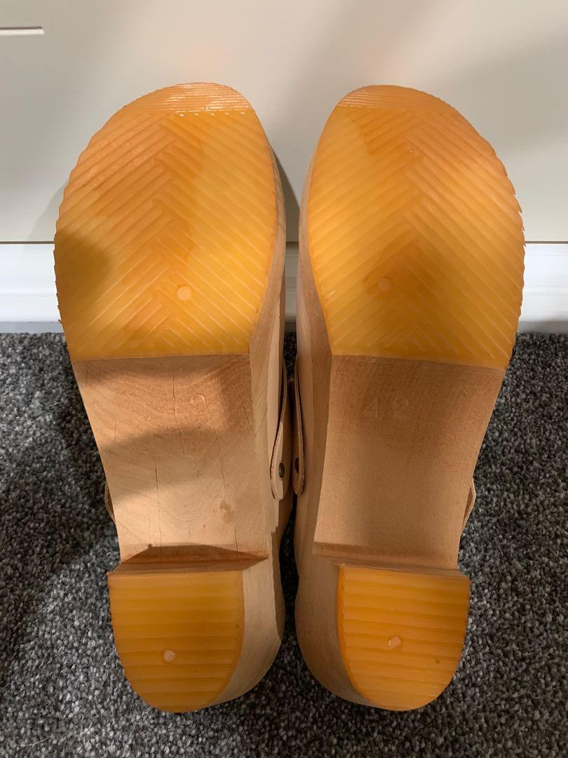 FUNKIS LEATHER AND WOOD CLOGS BRAND NEW NEVER WORN