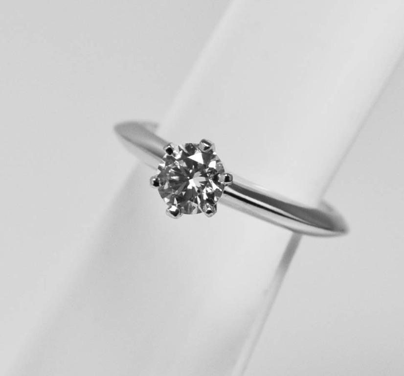 JW_WR_304 JEWELLERY PT 950 PLATINUM THE TIFFANY SETTING ENGAGEMENT DIAMOND RING D1-0.40CTS ( F/VVS1 ) 3.53G { NGI CERT }