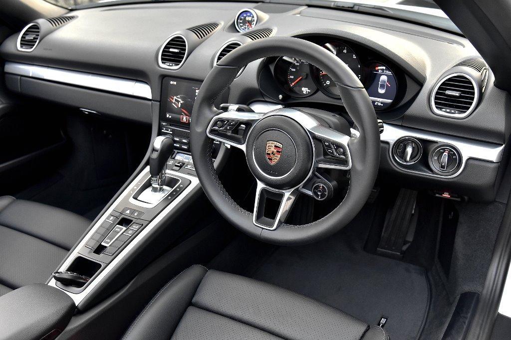 Porsche 718 2.0 Boxster PDK Auto