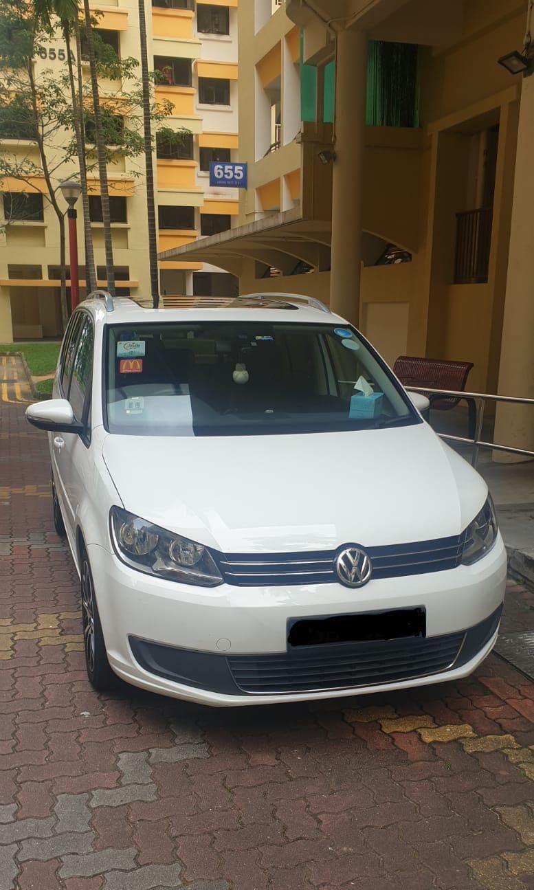 Volkswagen Touran 1.6 TDI DSG (A)