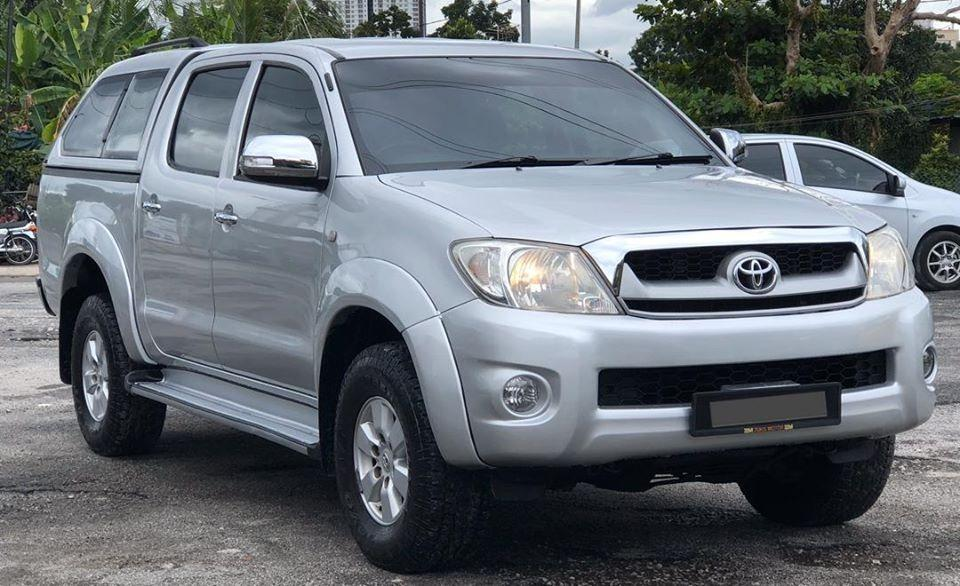 CASH TOYOTA HILUX 2.5 G FACELIFT DOUBLE CAB MANUAL 2010