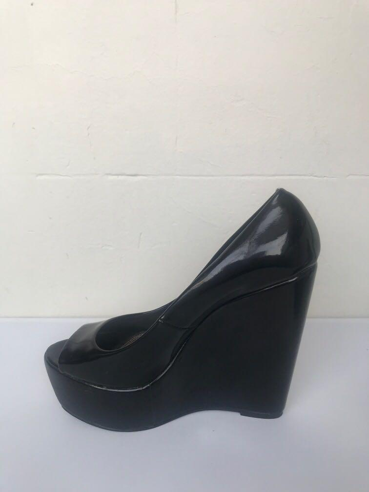 Lavish patent black leather look platform peep toe size 8 heels