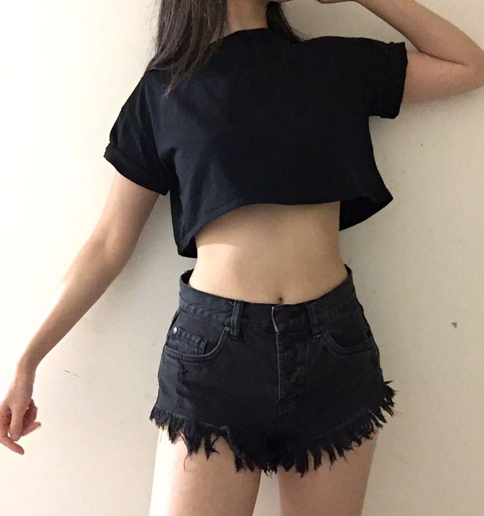 Missguided size 8-10 black oversized short sleeve crop top baby tee