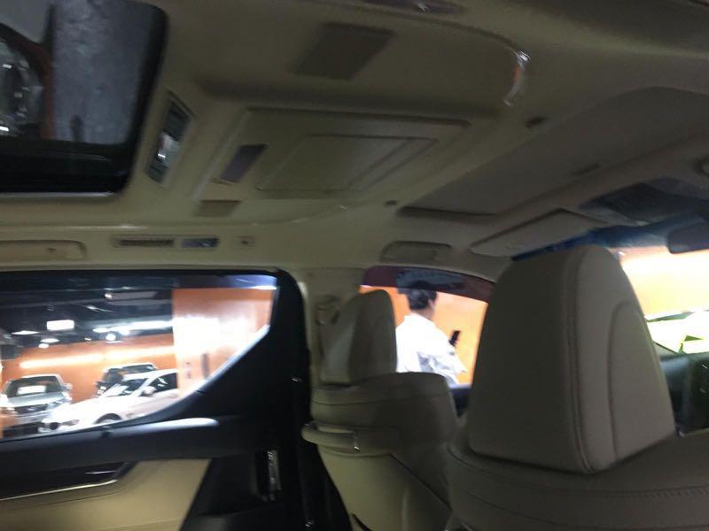 Toyota Alphard 2.5 hybird Auto