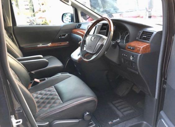 Toyota Vellfire 3.5 (V6) Exclusive MPV