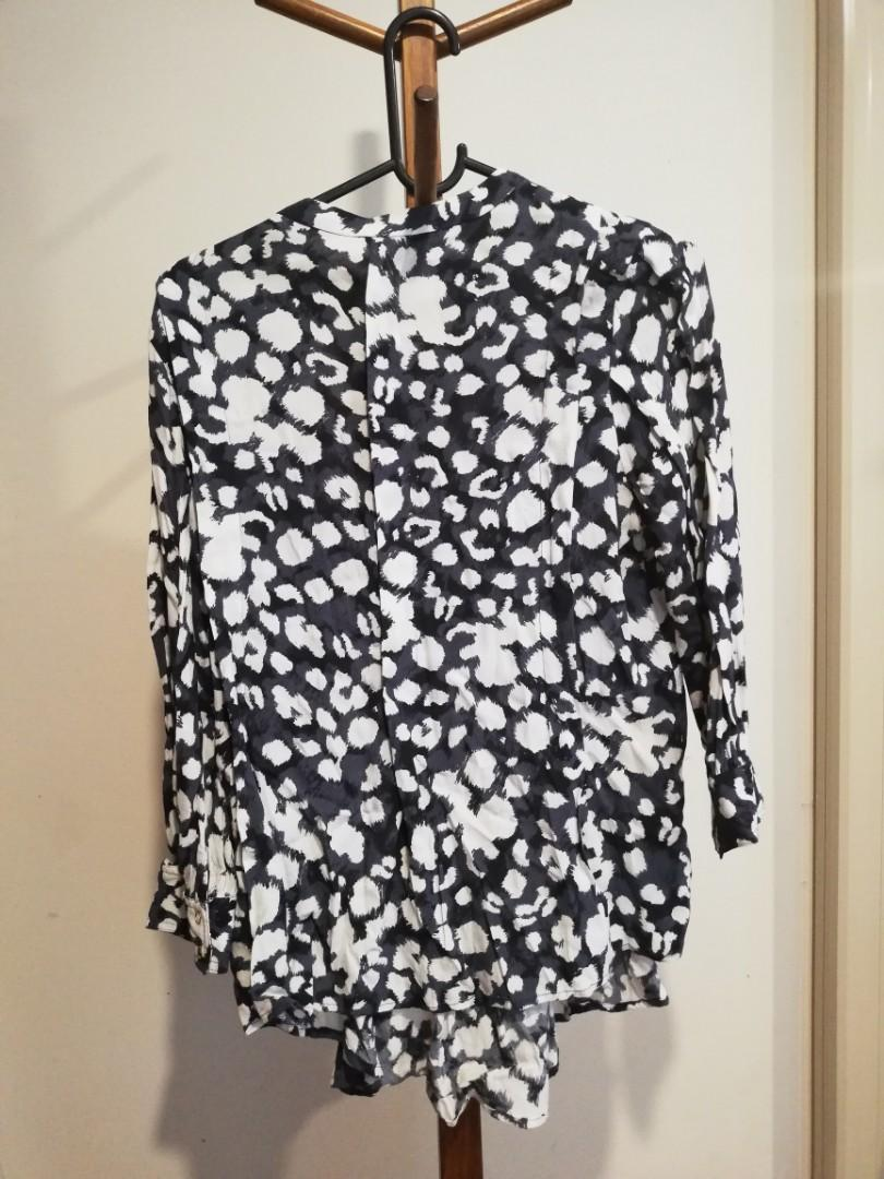 S/8 - Country Road - Navy & White Patterned Loose Fit Shirt