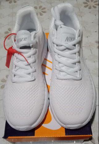 معجزة سترة تغضب Nike Shoes Made In